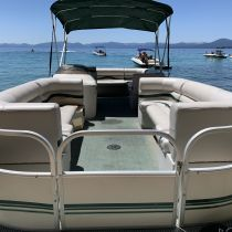 Tahoe Boat & RV Rents, 26' Starcraft Pontoon